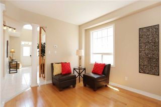 Photo 15: 1013 Sprucedale Lane in Milton: Dempsey House (2-Storey) for sale : MLS®# W3551652
