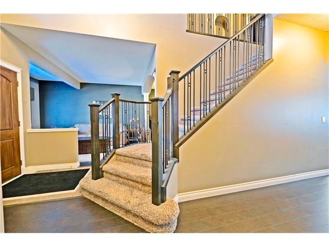 Photo 2: Photos: 186 THORNLEIGH Close SE: Airdrie House for sale : MLS®# C4054671