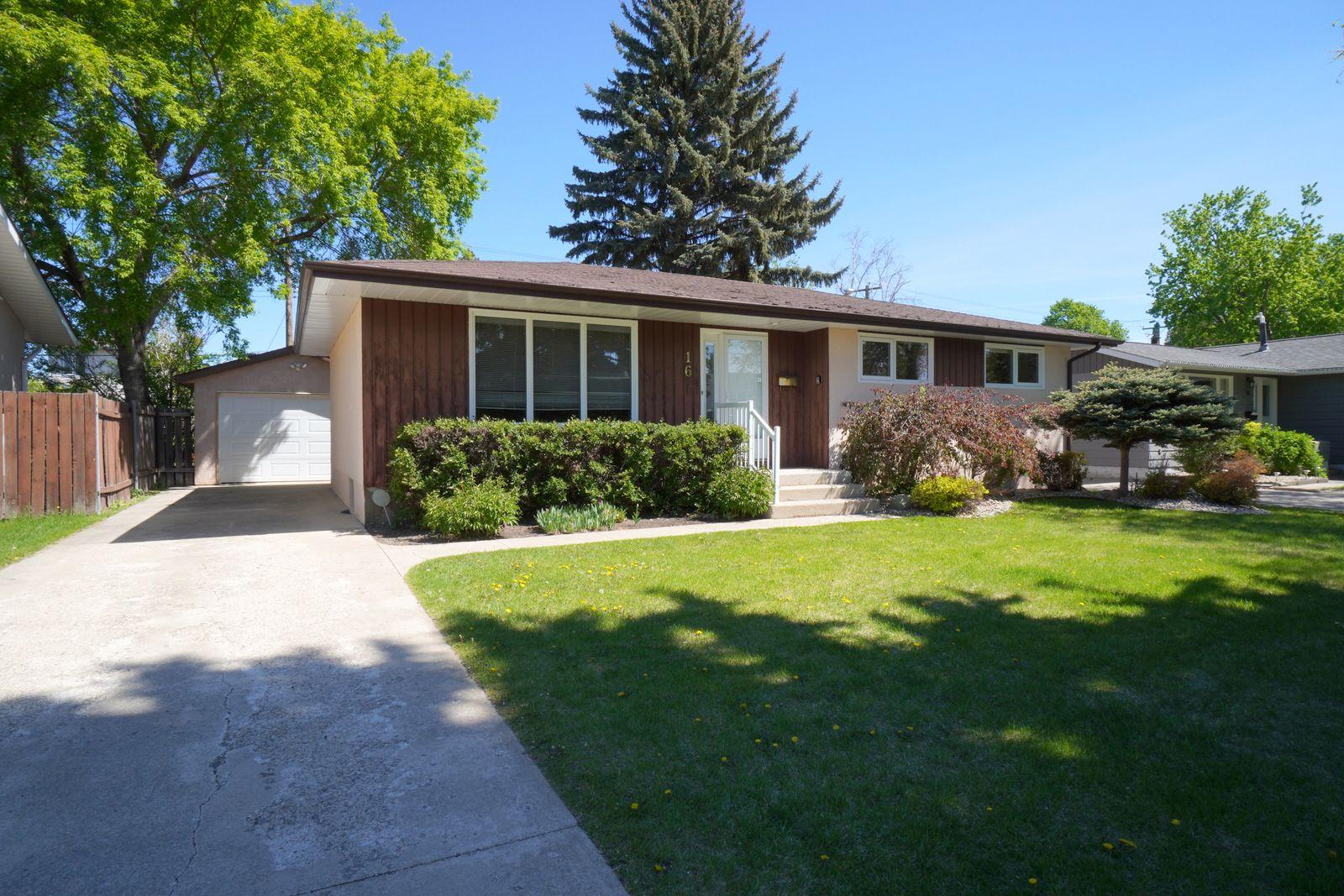 Main Photo: 16 Radisson Avenue in Portage la Prairie: House for sale : MLS®# 202112612