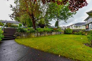 """Photo 2: 836 CHERRY Street in New Westminster: The Heights NW House for sale in """"Victory Heights"""" : MLS®# R2470973"""