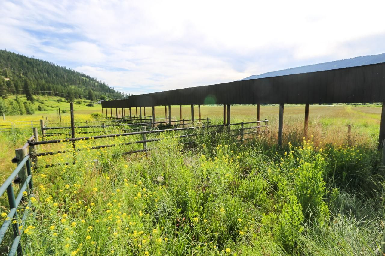 Photo 17: Photos: 8245 Edwards Road in Heffley Creek: HE House for sale (KA)  : MLS®# 157157