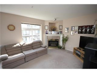 Photo 2: 21 2538 PITT RIVER Road in Port Coquitlam: Mary Hill Townhouse for sale : MLS®# V997236