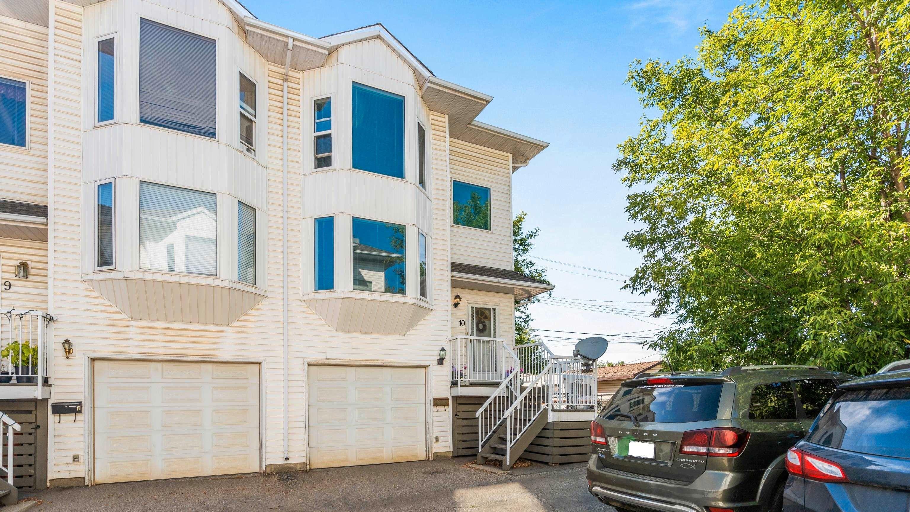 Main Photo: 10 11718 97 Street in Edmonton: Zone 08 House Half Duplex for sale : MLS®# E4258392