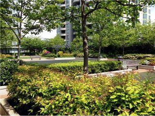 Photo 10: # 709 6888 ALDERBRIDGE WY in Richmond: Brighouse Condo for sale : MLS®# V1066873