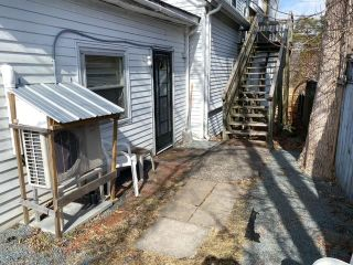 Photo 3: 431 Main in Liverpool: 406-Queens County Multi-Family for sale (South Shore)  : MLS®# 202124181