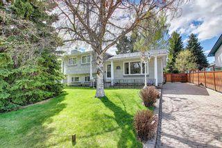 Main Photo: 3203 Oakwood Drive SW in Calgary: Oakridge Detached for sale : MLS®# A1109822