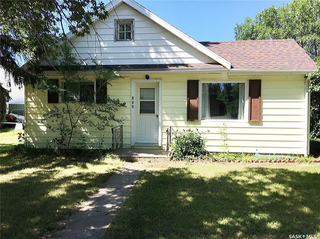 Main Photo: 102 2nd Avenue in Dinsmore: Residential for sale : MLS®# SK840827