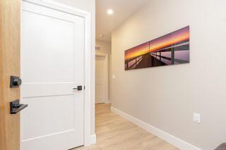 Photo 5: 103 741 Travino Lane in : SW Royal Oak Condo for sale (Saanich West)  : MLS®# 885483