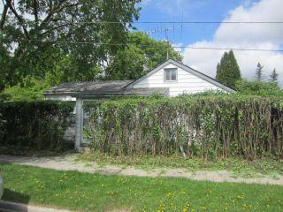 Photo 2: 4 Jones Street in WINNIPEG: West Kildonan / Garden City Residential for sale (North West Winnipeg)  : MLS®# 1210496