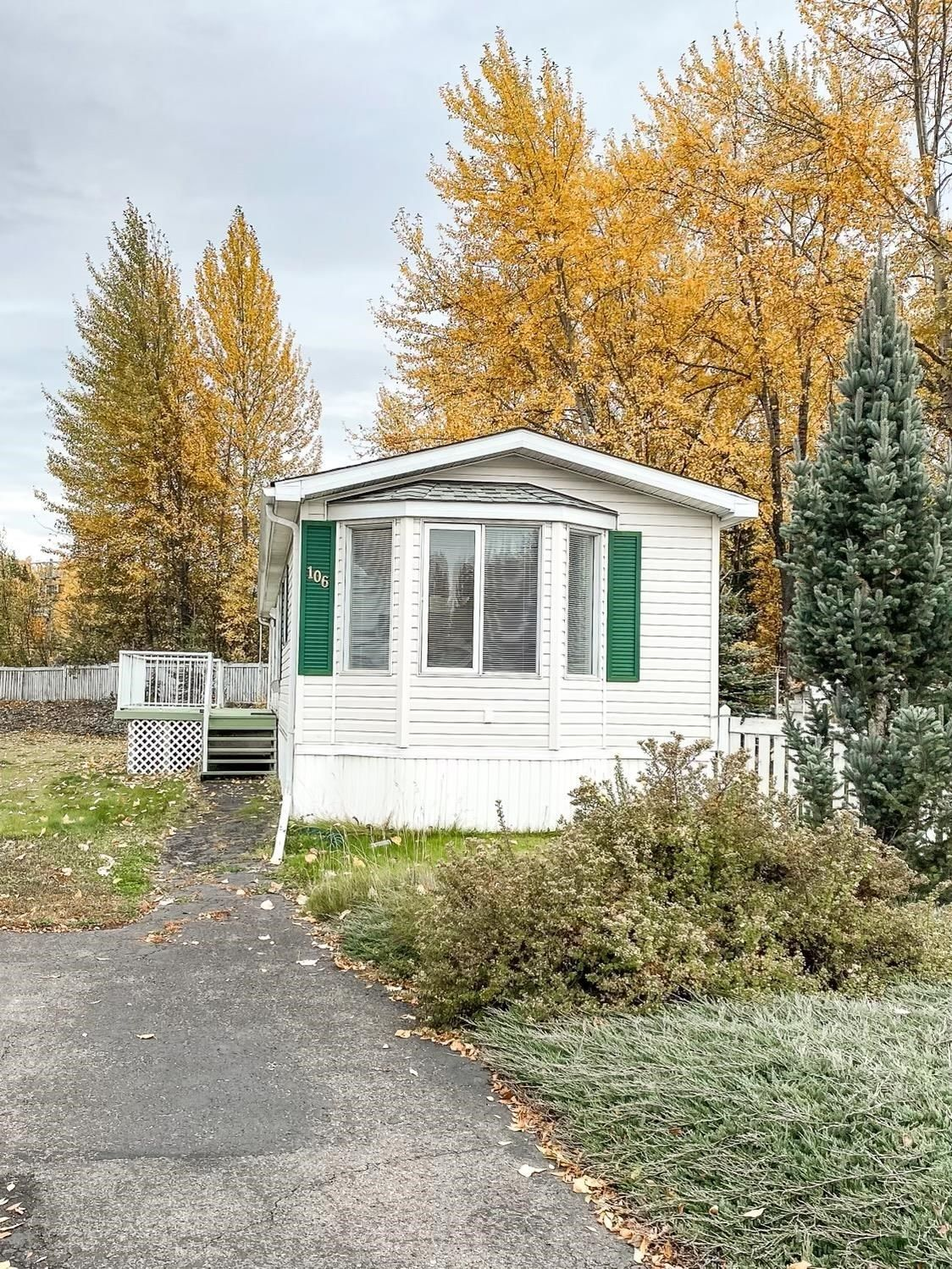 Main Photo: 106 2500 GRANT Road in Prince George: Hart Highway Manufactured Home for sale (PG City North (Zone 73))  : MLS®# R2622359