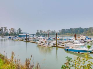 """Photo 21: 305 6251 RIVER Road in Ladner: Tilbury Condo for sale in """"RIVER WATCH"""" : MLS®# R2499840"""