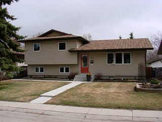 Photo 1: 3412 60 Street NE in CALGARY: Temple Residential Detached Single Family for sale (Calgary)  : MLS®# C3611757