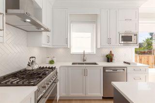 Photo 8: 828 E 13TH Avenue in Vancouver: Mount Pleasant VE 1/2 Duplex for sale (Vancouver East)  : MLS®# R2590646