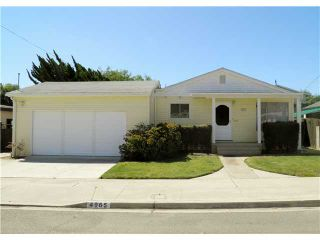 Photo 1: CLAIREMONT House for sale : 3 bedrooms : 4965 Gallatin in San Diego