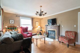 Photo 4: 15620 RUSSELL Avenue: White Rock House for sale (South Surrey White Rock)  : MLS®# R2140276