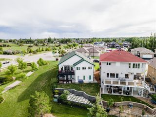 Photo 2: 407 Greaves Crescent in Saskatoon: Willowgrove Residential for sale : MLS®# SK859591