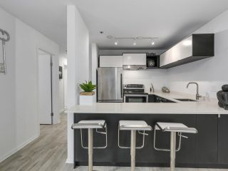 Photo 6: 106 888 W 13TH Avenue in Vancouver: Fairview VW Condo for sale (Vancouver West)  : MLS®# R2241076