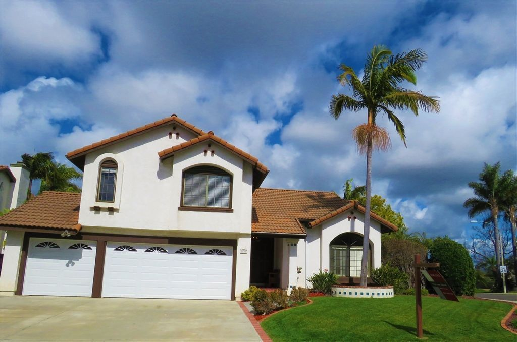 Main Photo: ENCINITAS House for sale : 4 bedrooms : 2001 Wandering Road