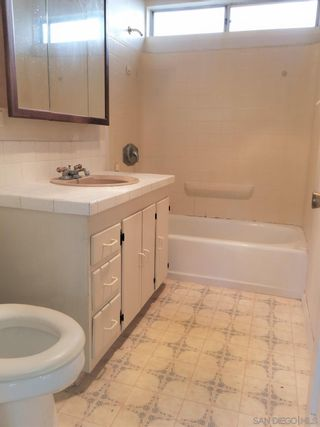 Photo 18: CROWN POINT House for sale : 3 bedrooms : 4064 Haines Street in san diego