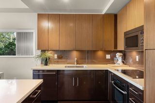 """Photo 8: 302 W 1ST Avenue in Vancouver: False Creek Townhouse for sale in """"FOUNDRY"""" (Vancouver West)  : MLS®# R2625350"""