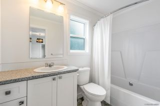 """Photo 14: 23 2303 CRANLEY Drive in Surrey: King George Corridor Manufactured Home for sale in """"Sunnyside Estates"""" (South Surrey White Rock)  : MLS®# R2550516"""