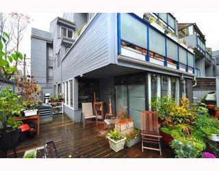 Photo 9: # 104 2125 YORK AV in Vancouver: Condo for sale : MLS®# V797055
