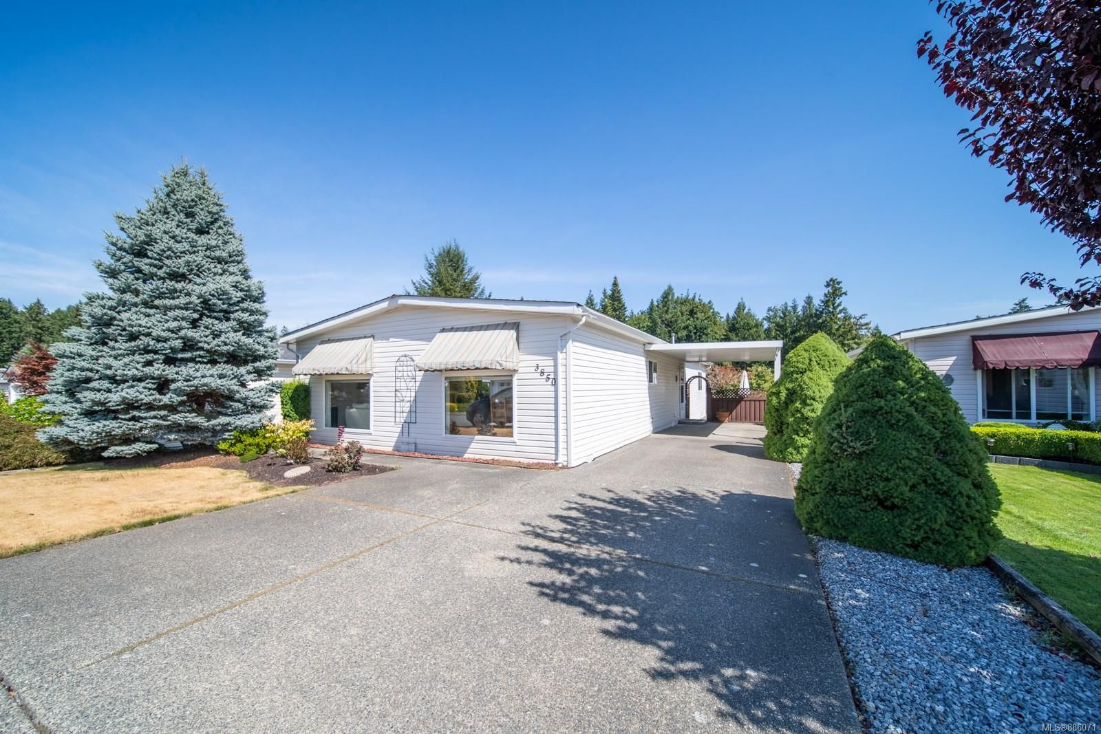 Main Photo: 71 3850 Maplewood Dr in : Na North Jingle Pot Manufactured Home for sale (Nanaimo)  : MLS®# 886071