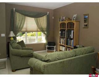 Photo 2: 18539 67A Ave in Surrey: Cloverdale BC House for sale (Cloverdale)  : MLS®# F2622874