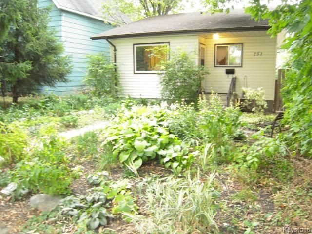 FEATURED LISTING: 251 Nassau Street North WINNIPEG