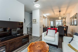 """Photo 3: 4 2988 151 Street in Surrey: Sunnyside Park Surrey Townhouse for sale in """"SouthPoint Walk"""" (South Surrey White Rock)  : MLS®# R2425343"""