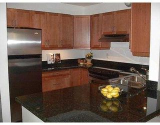 """Photo 2: 312 555 W 14TH Avenue in Vancouver: Fairview VW Condo for sale in """"CAMBRIDGE PLACE"""" (Vancouver West)  : MLS®# V666633"""