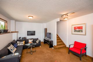 Photo 16: 74 Discovery Heights SW in Calgary: Discovery Ridge Row/Townhouse for sale : MLS®# A1104755
