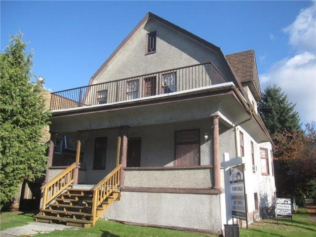 FEATURED LISTING: 2888 FRASER Street Vancouver