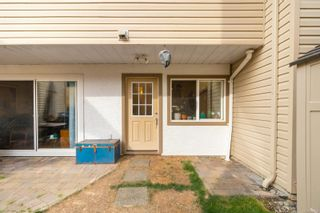 Photo 5: 102 156 St. Lawrence St in : Vi James Bay Row/Townhouse for sale (Victoria)  : MLS®# 884990