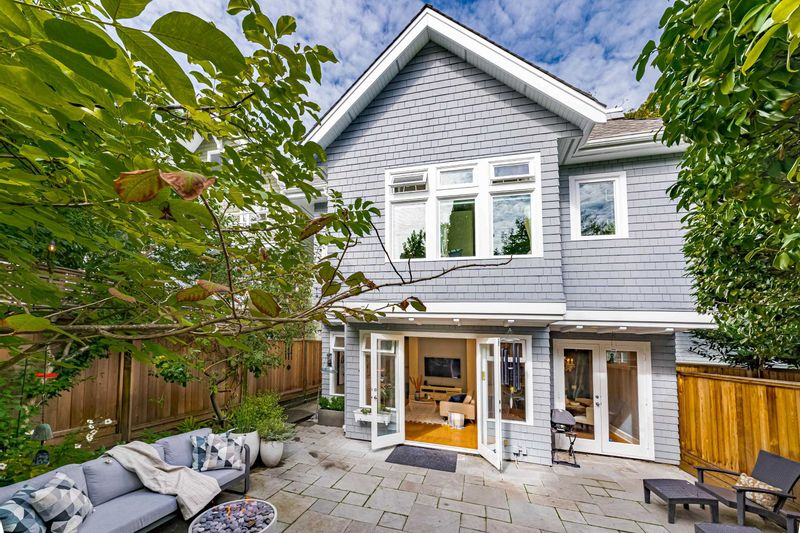 FEATURED LISTING: 2878 3RD Avenue West Vancouver
