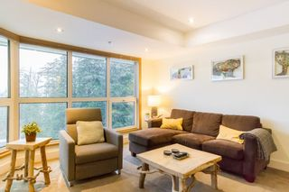"Photo 8: 406 4557 BLACKCOMB Way in Whistler: Benchlands Condo for sale in ""LE CHAMOIS"" : MLS®# R2424119"