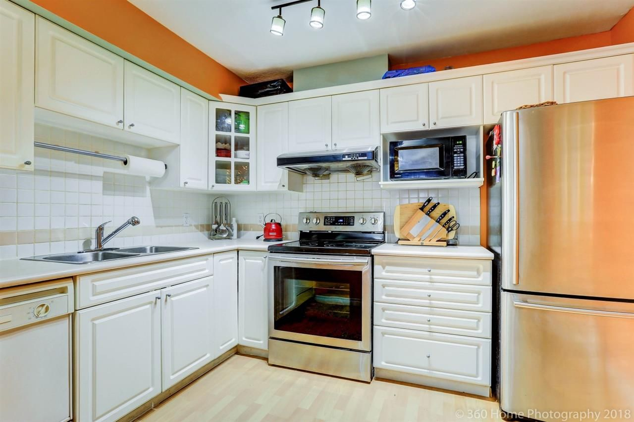"""Photo 5: Photos: 21 7488 SALISBURY Avenue in Burnaby: Highgate Townhouse for sale in """"WINSTON GARDEN"""" (Burnaby South)  : MLS®# R2260408"""