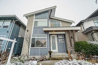 Photo 1: 19479 72 Avenue in Surrey: Clayton House for sale (Cloverdale)  : MLS®# R2341926