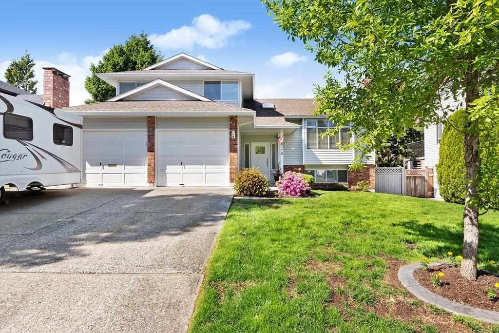 Main Photo: 15775 98 Avenue in Surrey: Guildford House for sale (North Surrey)  : MLS®# R2583361