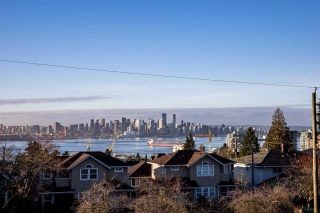 Photo 2: 336 E KEITH Road in North Vancouver: Central Lonsdale House for sale : MLS®# R2531012