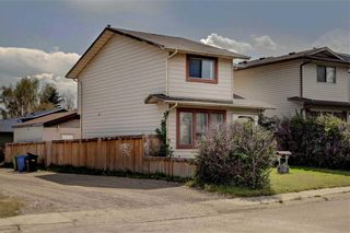 Photo 2: 39 TEMPLETON Bay NE in Calgary: Temple Detached for sale : MLS®# C4261521