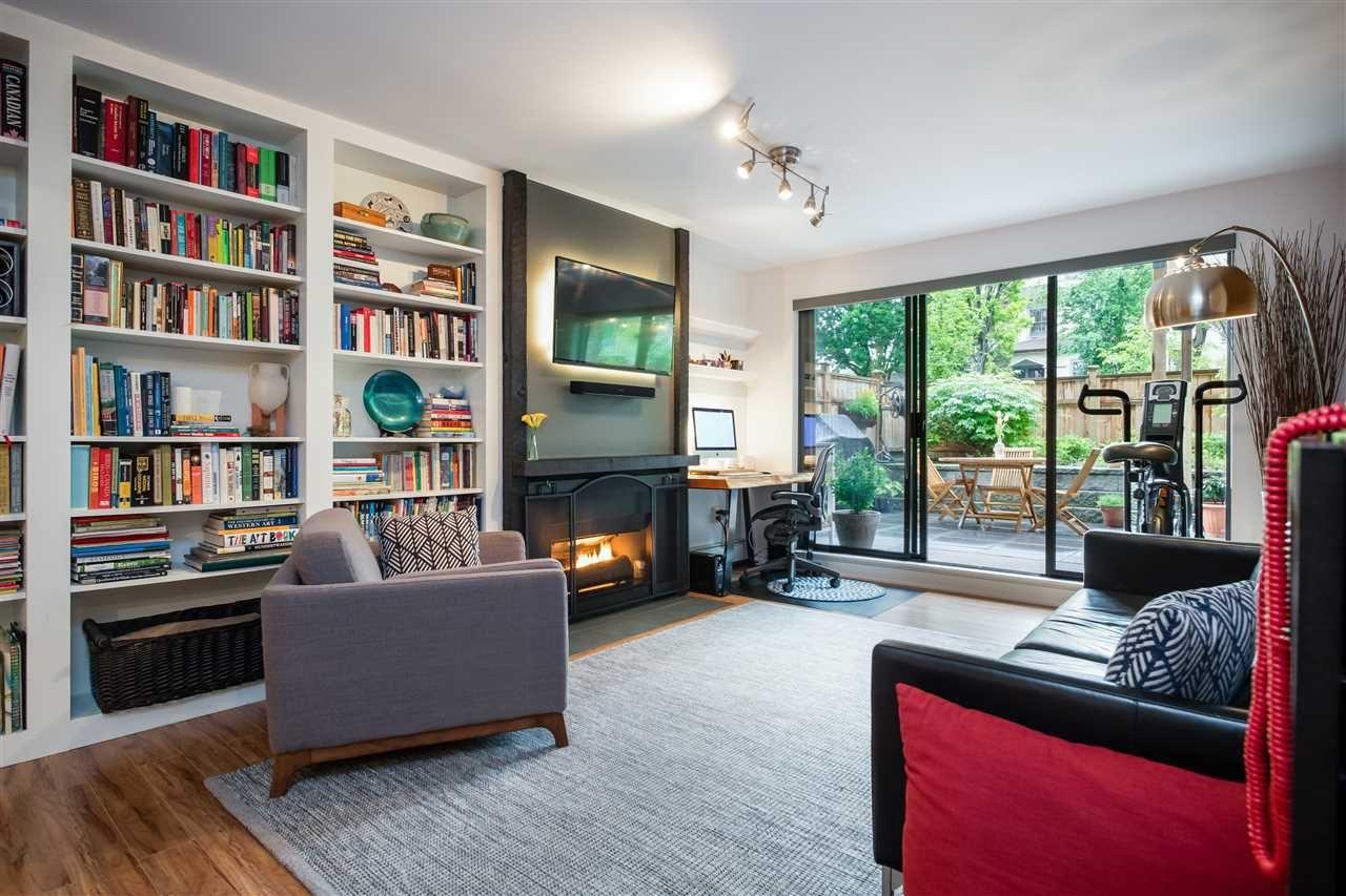 "Main Photo: 111 265 E 15TH Avenue in Vancouver: Mount Pleasant VE Condo for sale in ""Woodglen"" (Vancouver East)  : MLS®# R2459260"