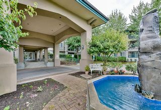 Photo 4: 19528 Fraser Highway in Surrey: Cloverdale Condo for sale : MLS®# R2098502