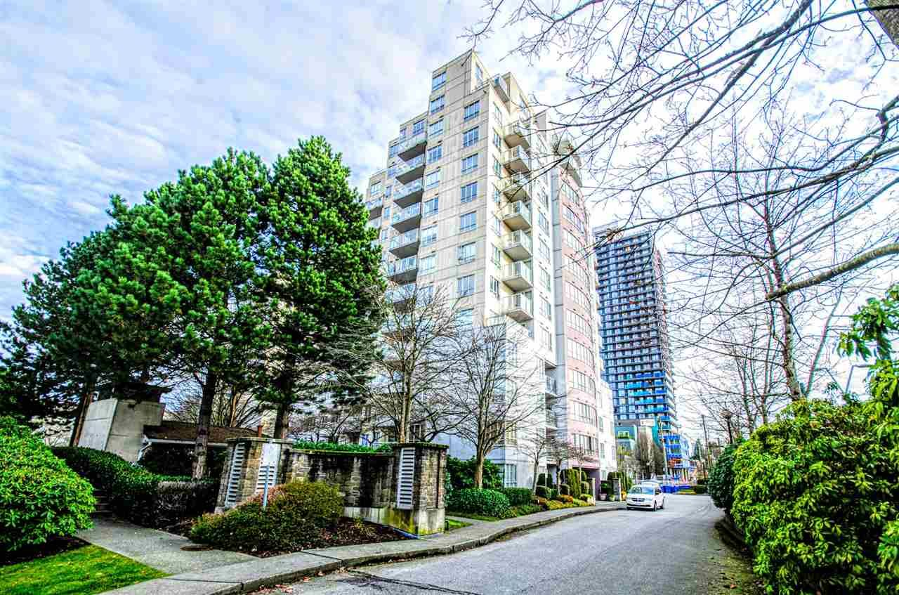 """Main Photo: 1002 3455 ASCOT Place in Vancouver: Collingwood VE Condo for sale in """"QUEEN'S COURT"""" (Vancouver East)  : MLS®# R2529566"""