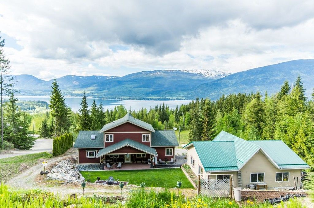 Main Photo: 5148 Sunset Drive: Eagle Bay House for sale (Shuswap Lake)  : MLS®# 10116034
