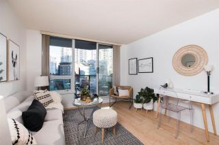 """Photo 2: 411 1212 HOWE Street in Vancouver: Downtown VW Condo for sale in """"1212 HOWE"""" (Vancouver West)  : MLS®# R2583498"""