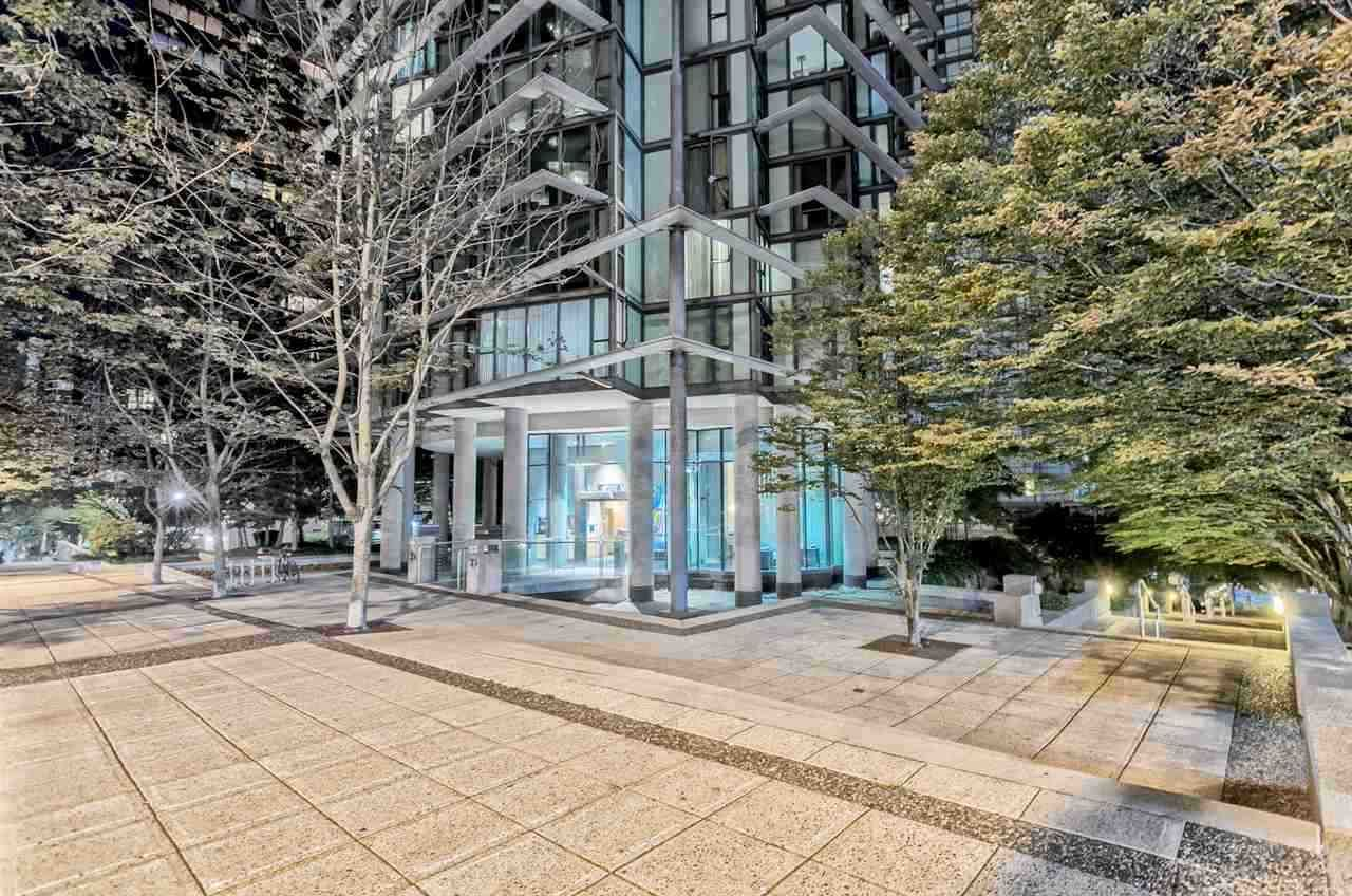 "Main Photo: 507 1331 W GEORGIA Street in Vancouver: Coal Harbour Condo for sale in ""The Pointe"" (Vancouver West)  : MLS®# R2533122"