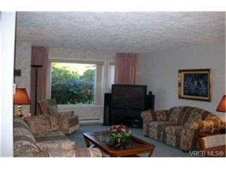 Photo 3: 102 1561 Stockton Cres in VICTORIA: SE Cedar Hill Condo for sale (Saanich East)  : MLS®# 339033