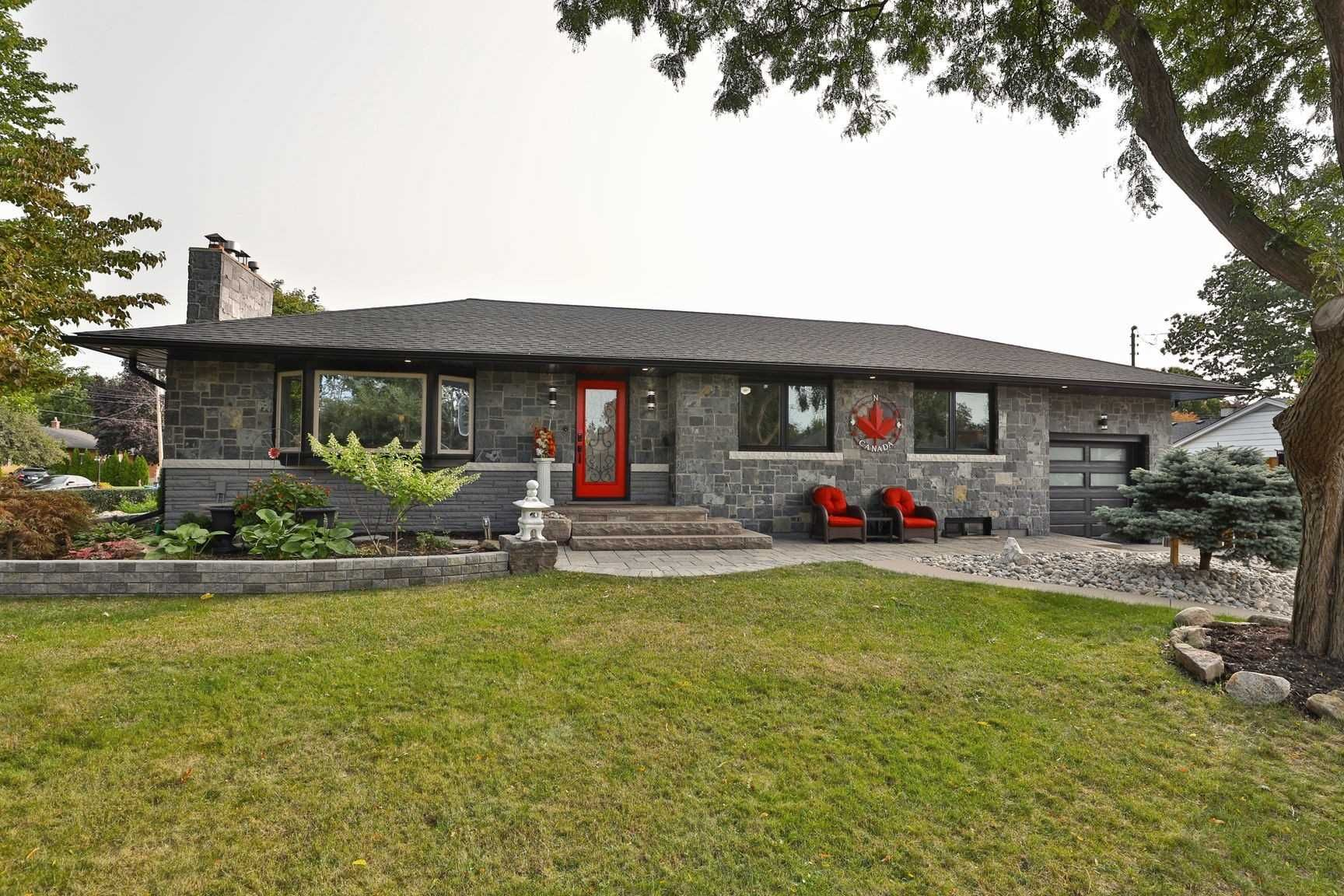 Main Photo: 2179 Clarendon Park Drive in Burlington: Brant House (Bungalow) for sale : MLS®# W5155006