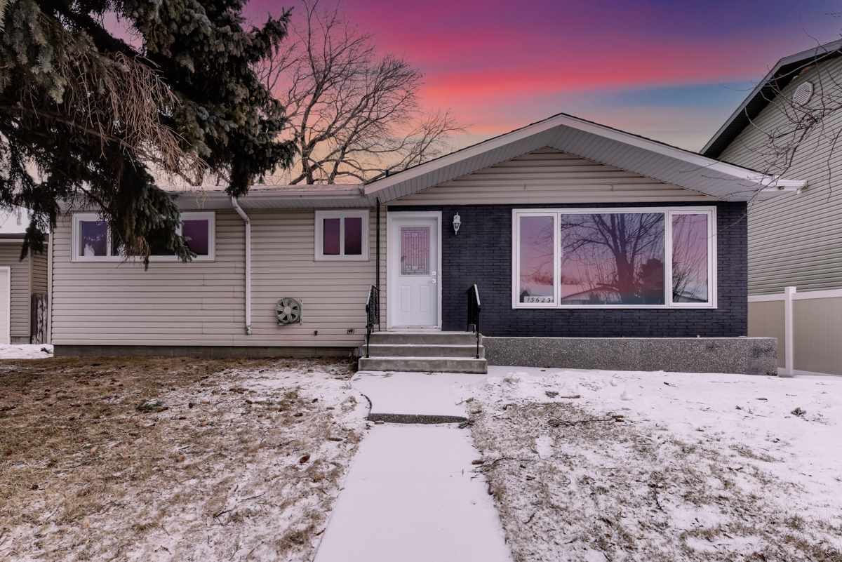 Main Photo: 13623 137 Street in Edmonton: Zone 01 House for sale : MLS®# E4226030